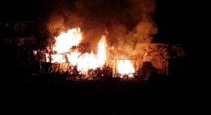 Situation kurz nach Alarmierung der Feuerwehr (Bild: Youtube, Benutzer jtv jtv)